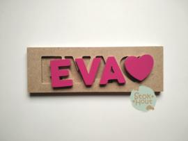 Naampuzzel 0-5 letters. Bijv. 'Eva - fuchsia roze'