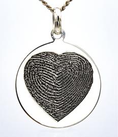zilver rond hanger met dubbel hartgravure