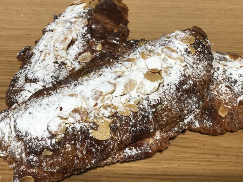 Franse amandel croissants