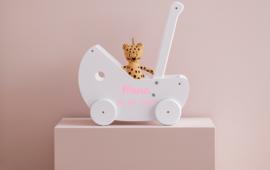 Poppenwagen met naam