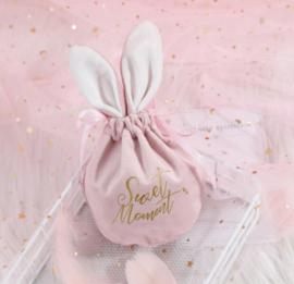 Fluwelen bunny bag roze