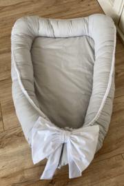 Babynestje grijs met strik