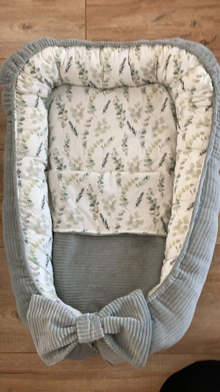 Babynestje rib mint/eucalyptus met strik