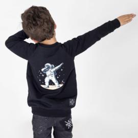 Sweater Moonwalker