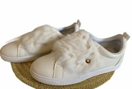 witte sneakers met donsje