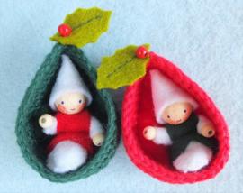 Twee Kerst coconnetjes