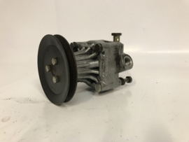 Servo pumpe 944 überholt mit neue dichtingen (25 euro retour)