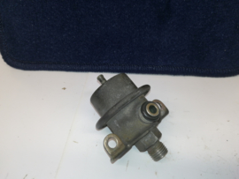 Fuel pressure regulator 3.8 bar
