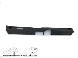 928 tailgate trim - dark green - small tear