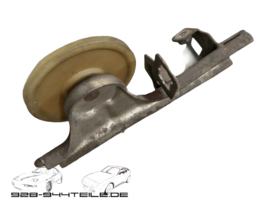 928 S4 - throttle cable guide / pulley