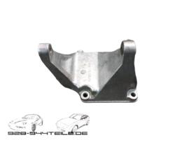 928 GTS - compressor bracket