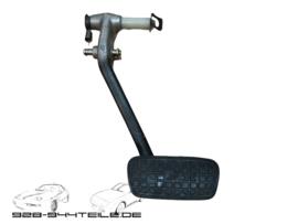928 GTS/S4 - brake pedal