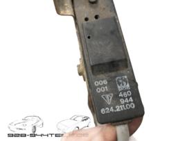 928/944 - durch Auslöseaktuatoren