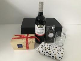 Giftbox ' Tea, Wine and Chocolate'