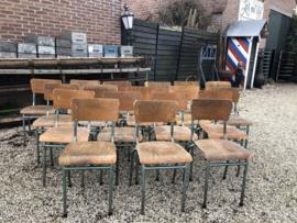 Vintage schoolstoelen 18 stuks opknappers