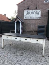 Verkocht 😜Oude bakkerij werkbank belgie