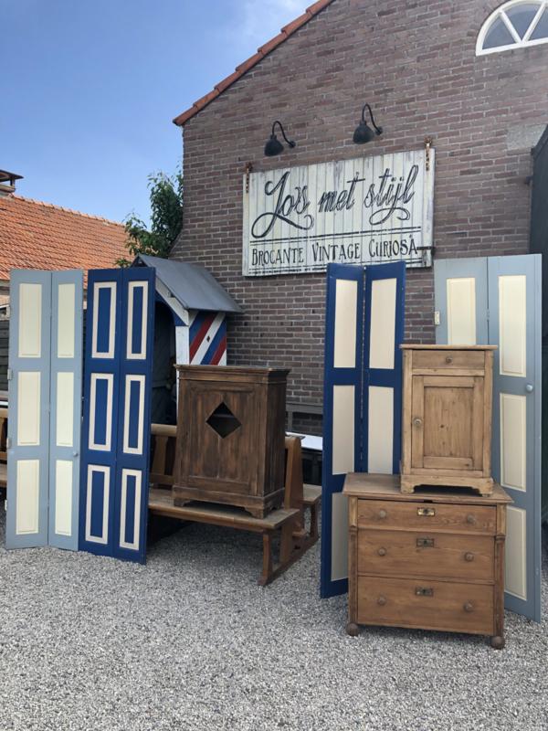 Verkocht  Antiek grenen commode ladenkast