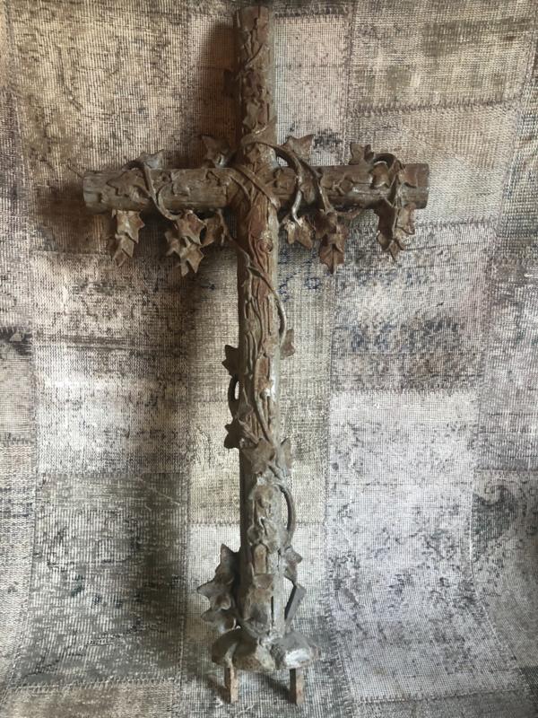 Verkocht Uniek item Frans groot ijzeren kruis