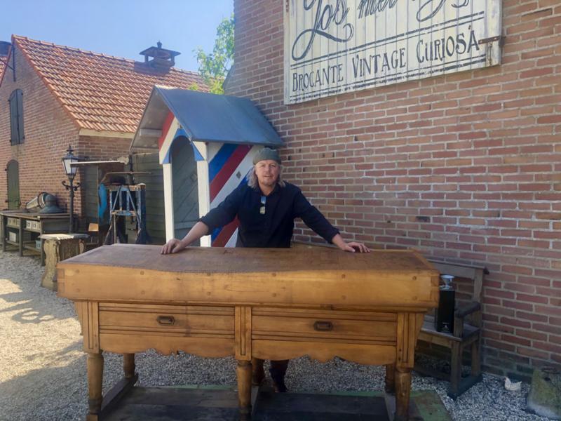 Verkocht  Hakblok slagersblok antiek gigantisch groot