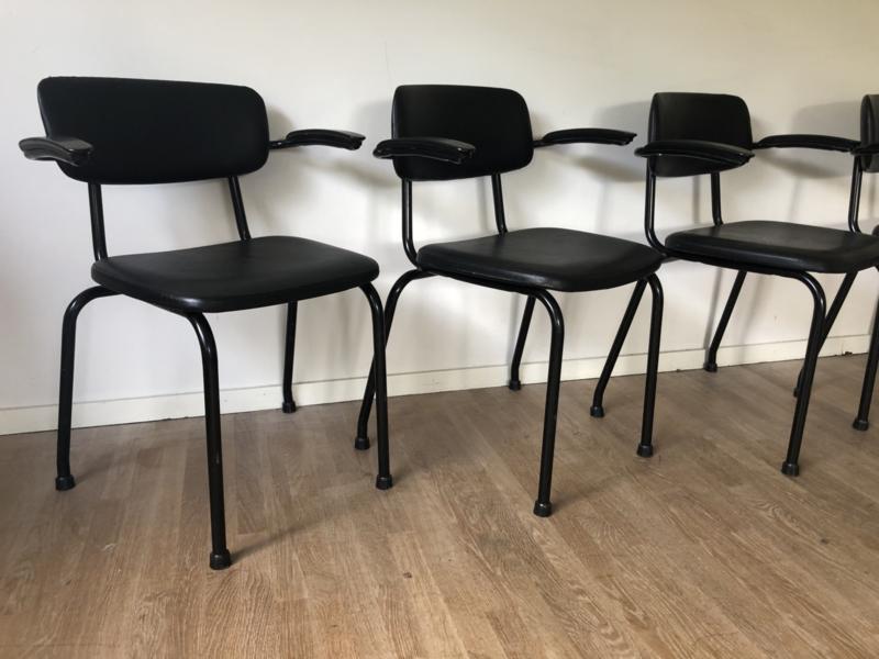 4 ahrend stoelen design Friso kramer