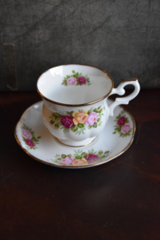 Kopje & Schotel Royal Canterbury Fine Bone China - cottage roses