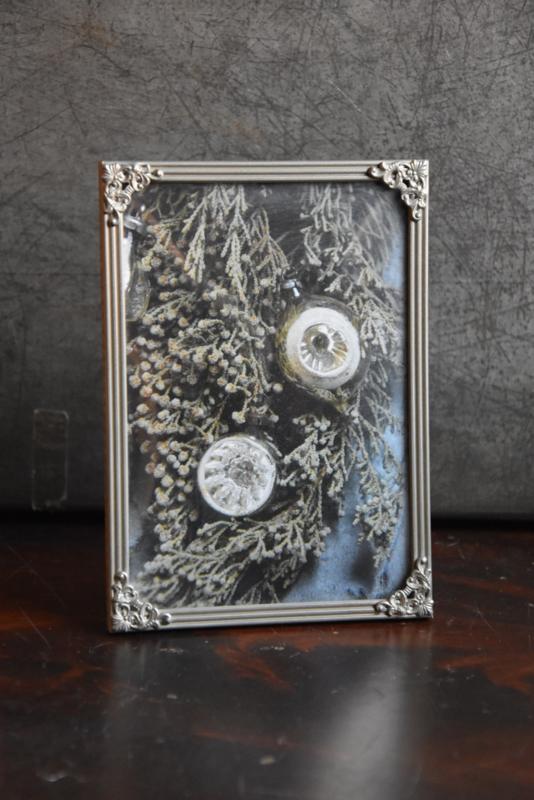 Oud Fotolijstje met kerstkaart - Atelier Beau