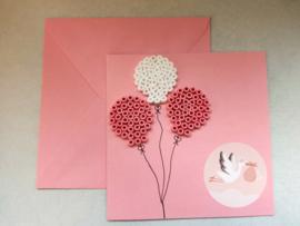 Strijkkralen ansichtkaart Geboorte meisje roze kaart