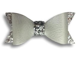 Leder-look haarstrik zilver met glitter | 7 cm