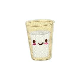 Strijkapplicatie melk happy | 4 x 6 cm