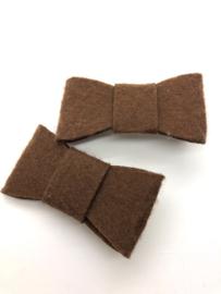 Haarstrik vilt bruin (per stuk)