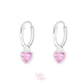 Zilveren kinderoorbellen creolen met hartje roze | kristal