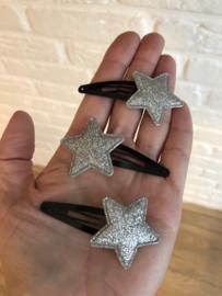 Haarspeldje met ster zwart-zilver