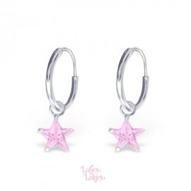 Zilveren kinderoorbellen creolen met sterretje roze| kristal