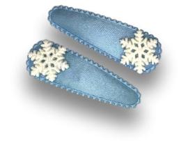 Haarspeldjes lichtblauw met sneeuwvlokje