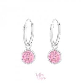 Zilveren kinderoorbellen creolen met rondje roze | kristal