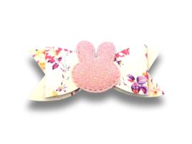 Leder-look haarstrik gebloemd  roze met konijntje | 8 cm