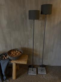 Aura peeperkorn vloerlamp ronde buis recht model 120cm