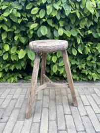 Oud houten krukje Nr.3