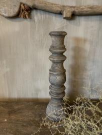 Aura Peeperkorn houten kandelaar