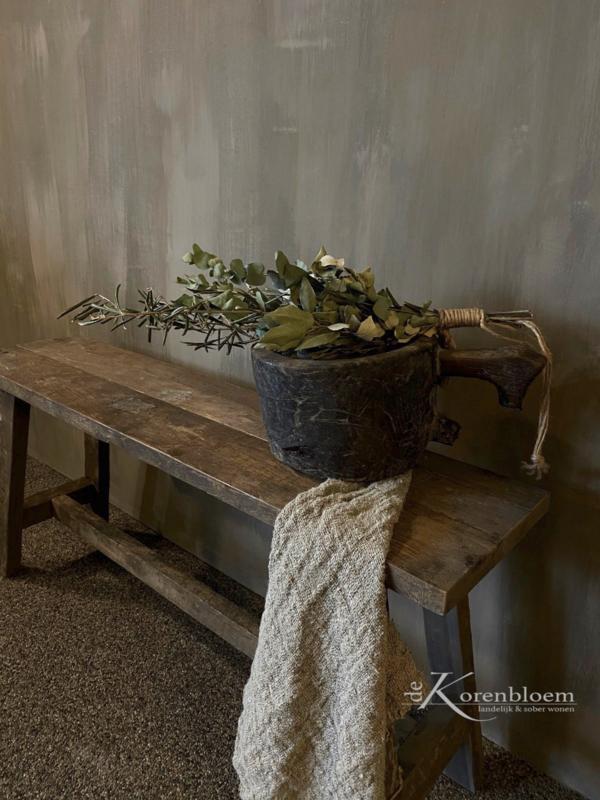 Aura Peeperkorn oud houten bankje
