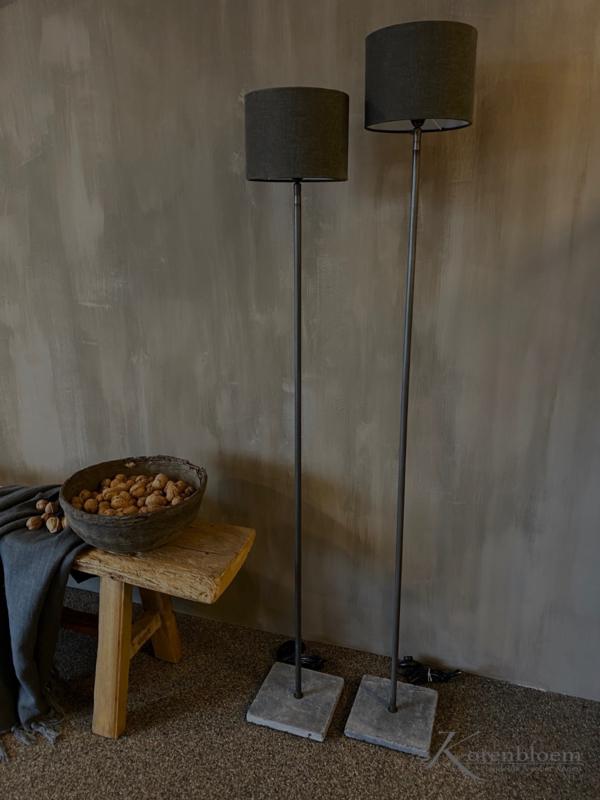 Aura Peeperkorn vloerlamp ronde buis recht model