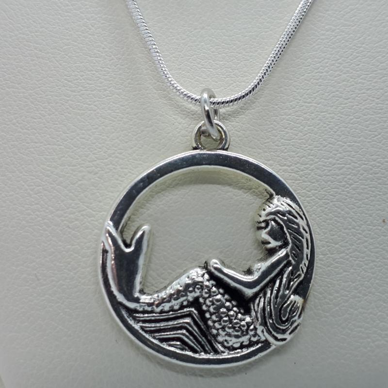 Zeemeermin ketting zilverkleurig (Elmadi bijoux)