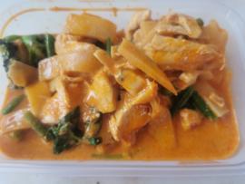 11-10-12. Poulet au curry et au bambou (différentes versions possibles via la liste de sélection)