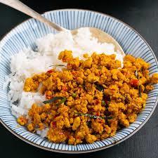 16.  Pikante Kip (Khua Kling Kai)