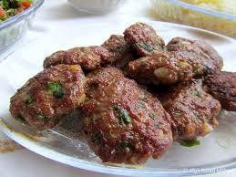 Mini hamburger 100% rundvlees. goed gekruid 8x (lekker voor op de BBQ)