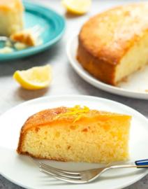 Lemondrizzle cake met een dotje slagroom (4 stuks)
