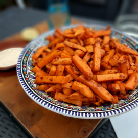 Zoete aardappel frites met limoen mayo (4 pers)