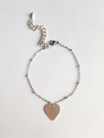 Zilverkleurige armband met hartje