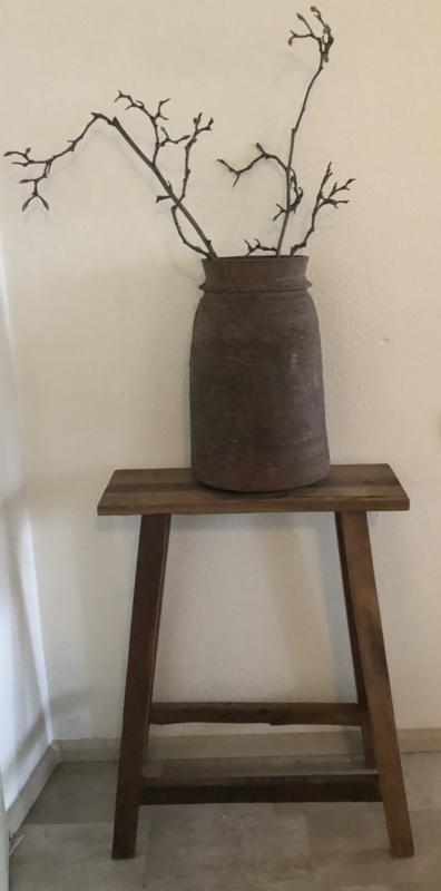 oud houten Krukje hoog