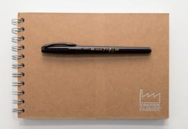 SailorFude Nagomi Brush Pen - Ryofuka Model - Double-Sided Fijn / Medium + 1 x A5 Handlettering/teken Oefenblok
